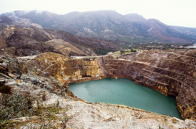 Independent report on Tasmanian mine safety finds serious cracks in regulations