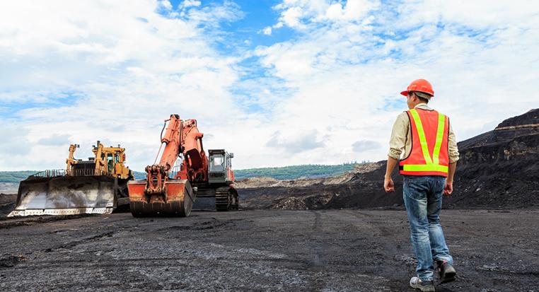Federal Government greenlights Adani's Carmichael Coal