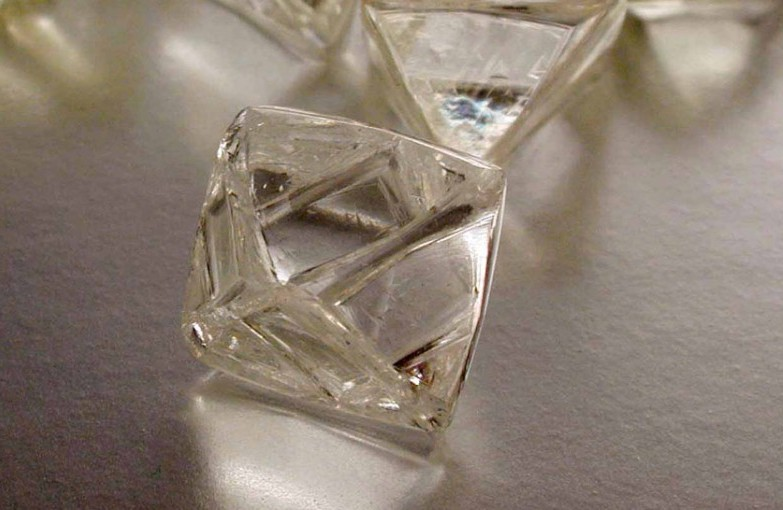 Namibia and De Beers ink 10-year diamond sales agreement